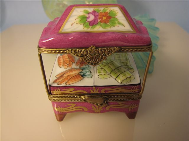 LS8207, LIMOGE HAND PAINTED VEGETABLE STAND PORCELAIN BOX. REG. PRICE 170.00, MY PRICE 115.00