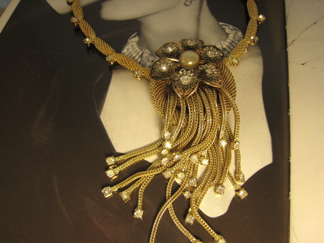 L1263 Vintage 60's Mesh Gold and Rhinestone Necklace From Florida Estate. $225.00