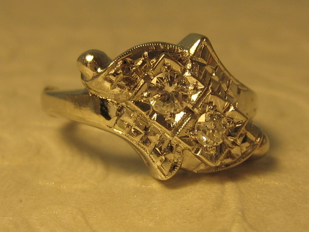 Estate jewelry nashville Franklin TN L1271 Vintage 14k White Gold By Pass Diamond Ring. Size 6.5. GIA Appraisal Included. $595.00