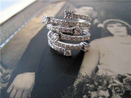 L794 Lady's Estate Multi 18k White Gold Diamond Ring. Size 6. Approx. 1.60 Total Diamond Weight. $3900.00  Appraisal Included