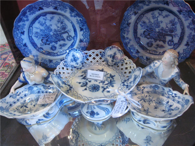 Jewelry Stores In Franklin TN Collectible Porcelain and Majolica Nashville Collectable Meissen and Flow Blue Porcelain