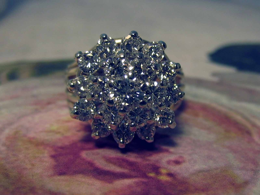 Estate Jewelry Nashville L1017 Lady's Diamond Cluster Ring With 1.69 Total Diamond Weight. Size 5. Appraisal Included. $1100.00