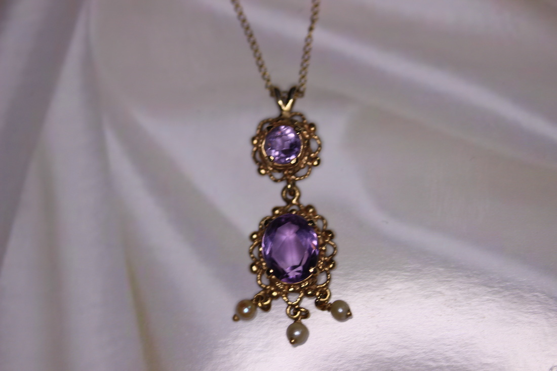 Estate Jewelry Franklin TN Lysbeth Antiques LP2115 Lady's Estate 14K Yellow Gold Amethyst and Pearl Necklace $275.00