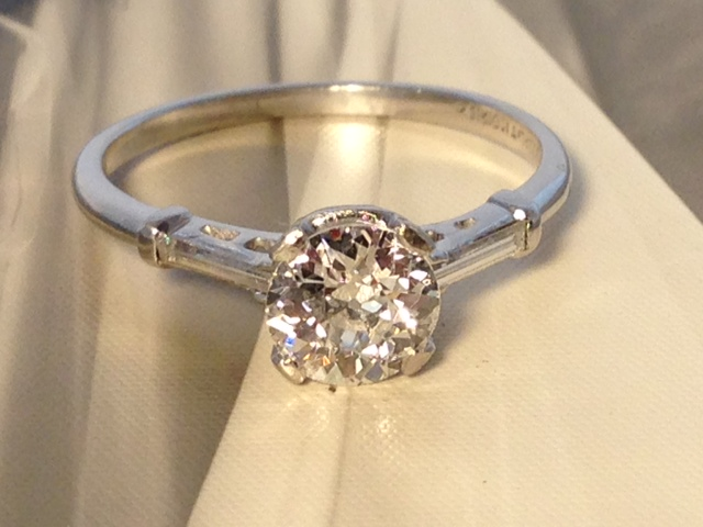 Diamond Jewelry Nashville LP2050 Antique Deco Platinum 1.01 TCW Diamond VS1 Clarity H color $4550. Includes GIA Appraisal
