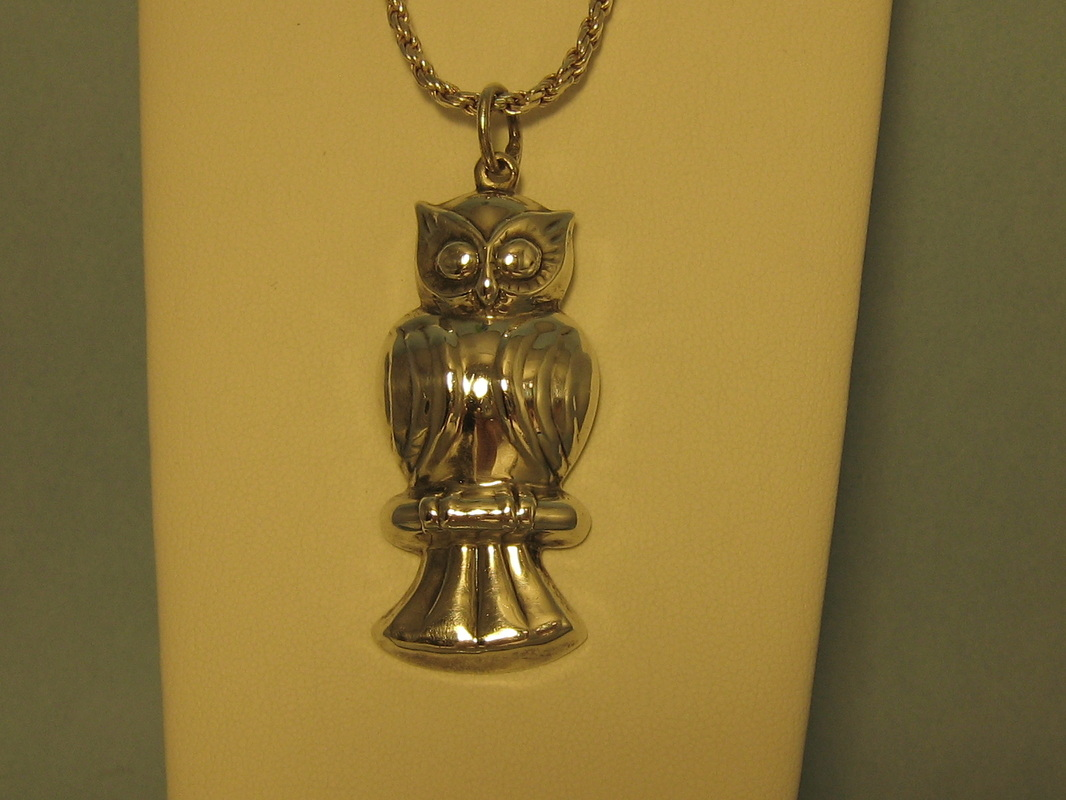 L359 Estate Sterling Silver Owl and Chain. $125.00