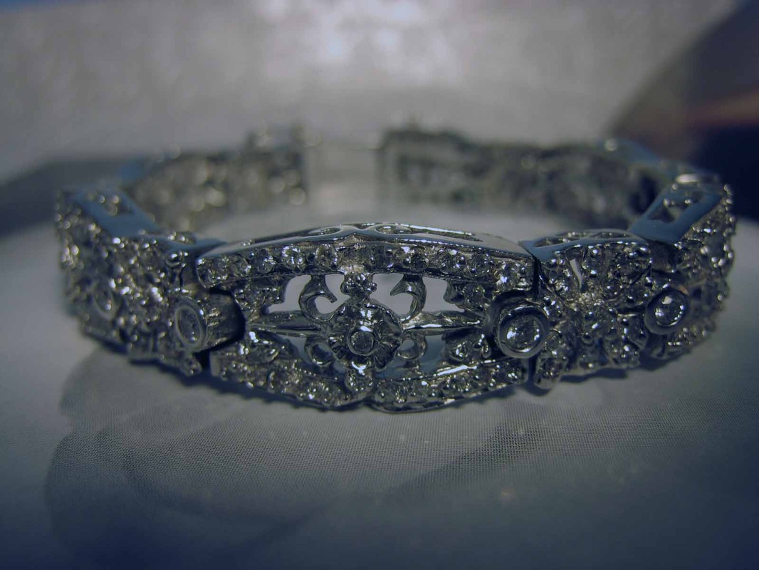 Estate Jewelery Nashville Franklin L282 Fabulous Estate 14k White Gold Diamond Bracelet. Encrusted With 4.17 Carats Of Full Cut Diamonds. GIA Appraisal Included. $5600.00