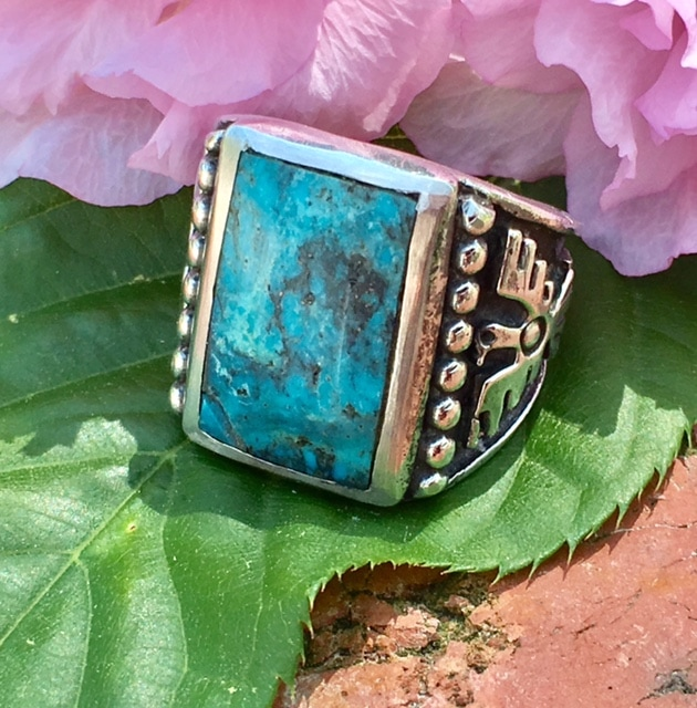 Lysbeth Antiques Estate Jewelry Franklin TN LP2216. Awesome Navajo sterling and turquoise ring. Size 10.$125.